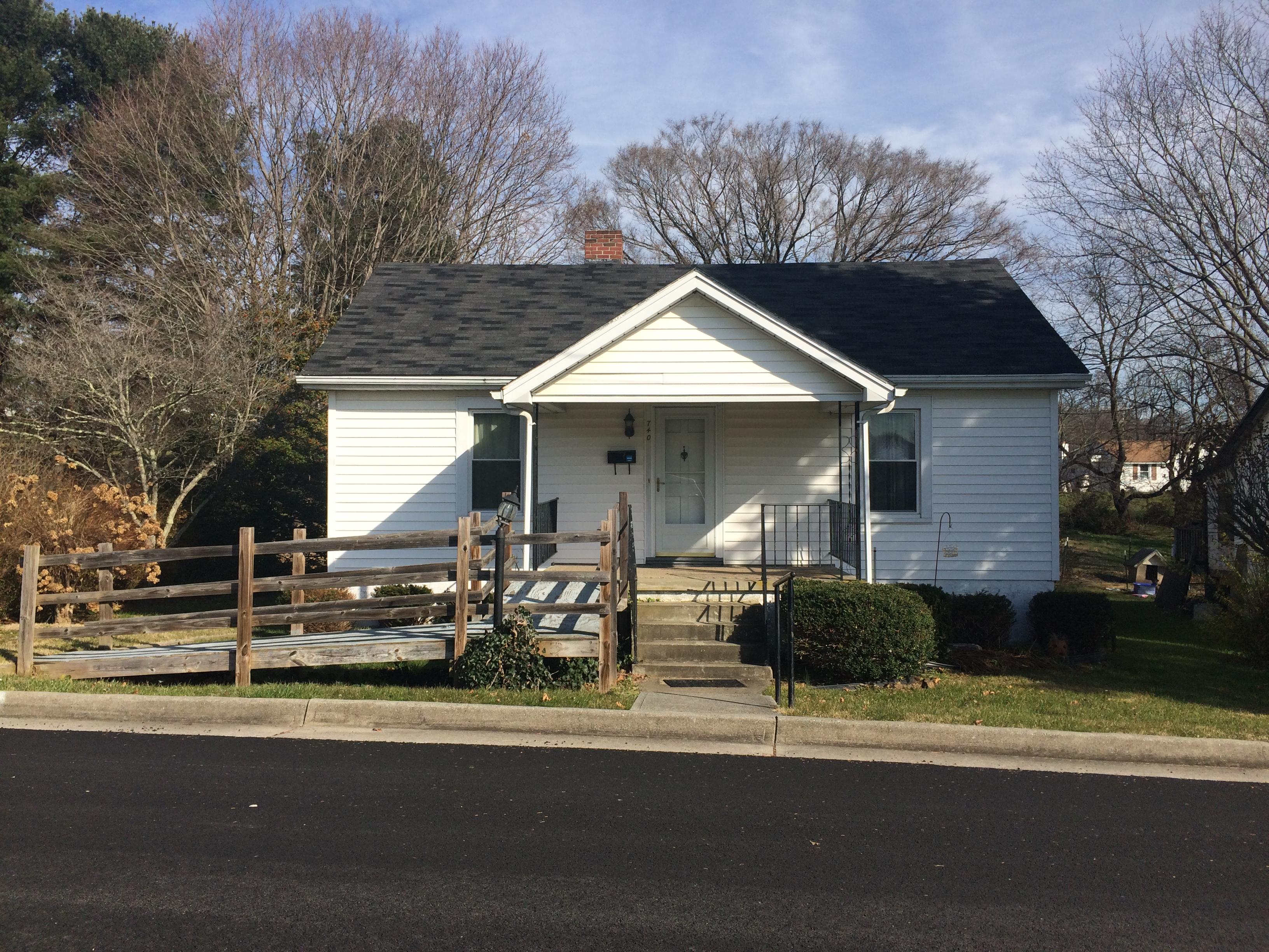 740 N 5th Street, Wytheville, Virginia 24382