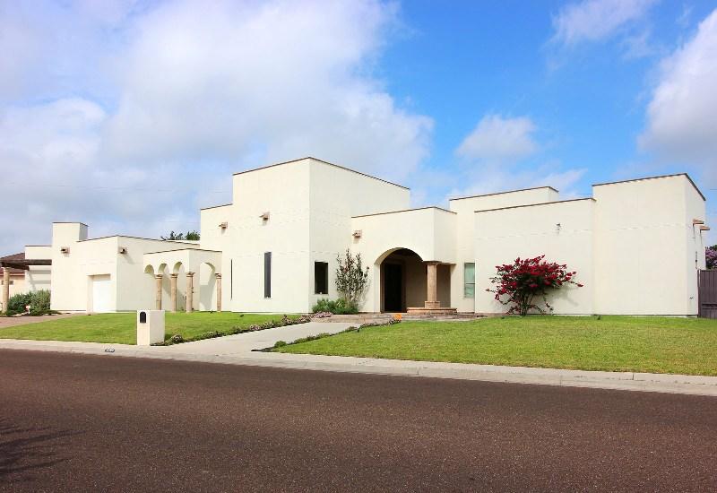 8302 Reserve Dr., Laredo, Texas 78045