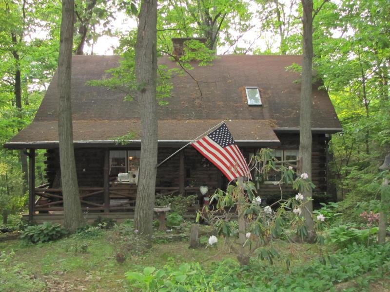 217 Elm Street, New Columbia, PA 17856