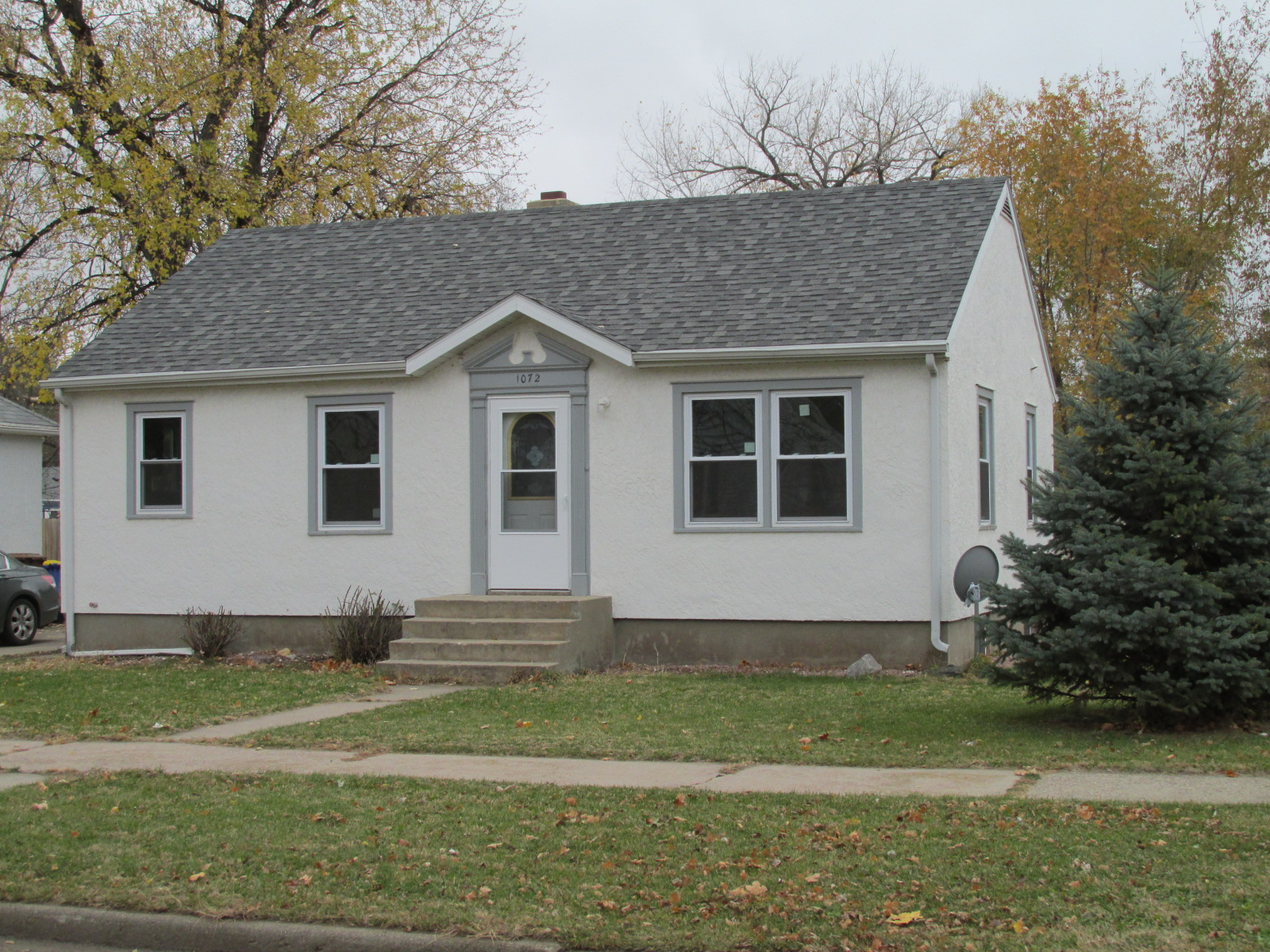 1072 Beach Ave SE, Huron, South Dakota 57350