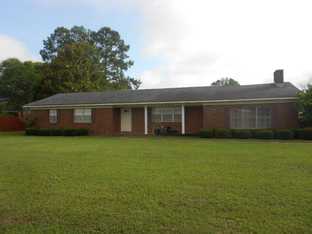 66 Burketts Ferry Rd, Hazlehurst, Georgia 31539