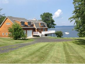 25 Pearl Bay Lane, Grand Isle, Vermont 05458