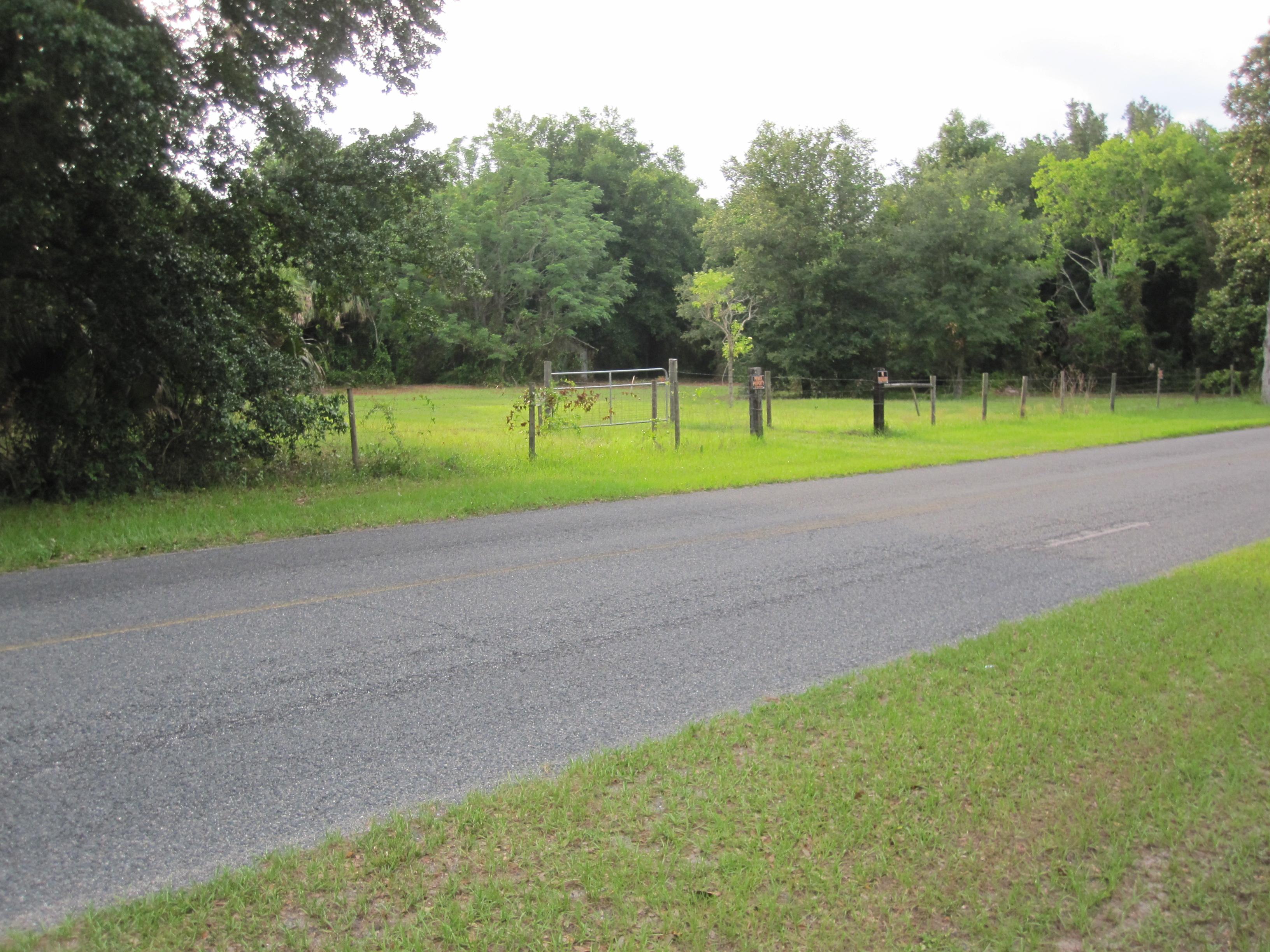 40809 Emeralda Island Rd., Leesburg, Florida 34788