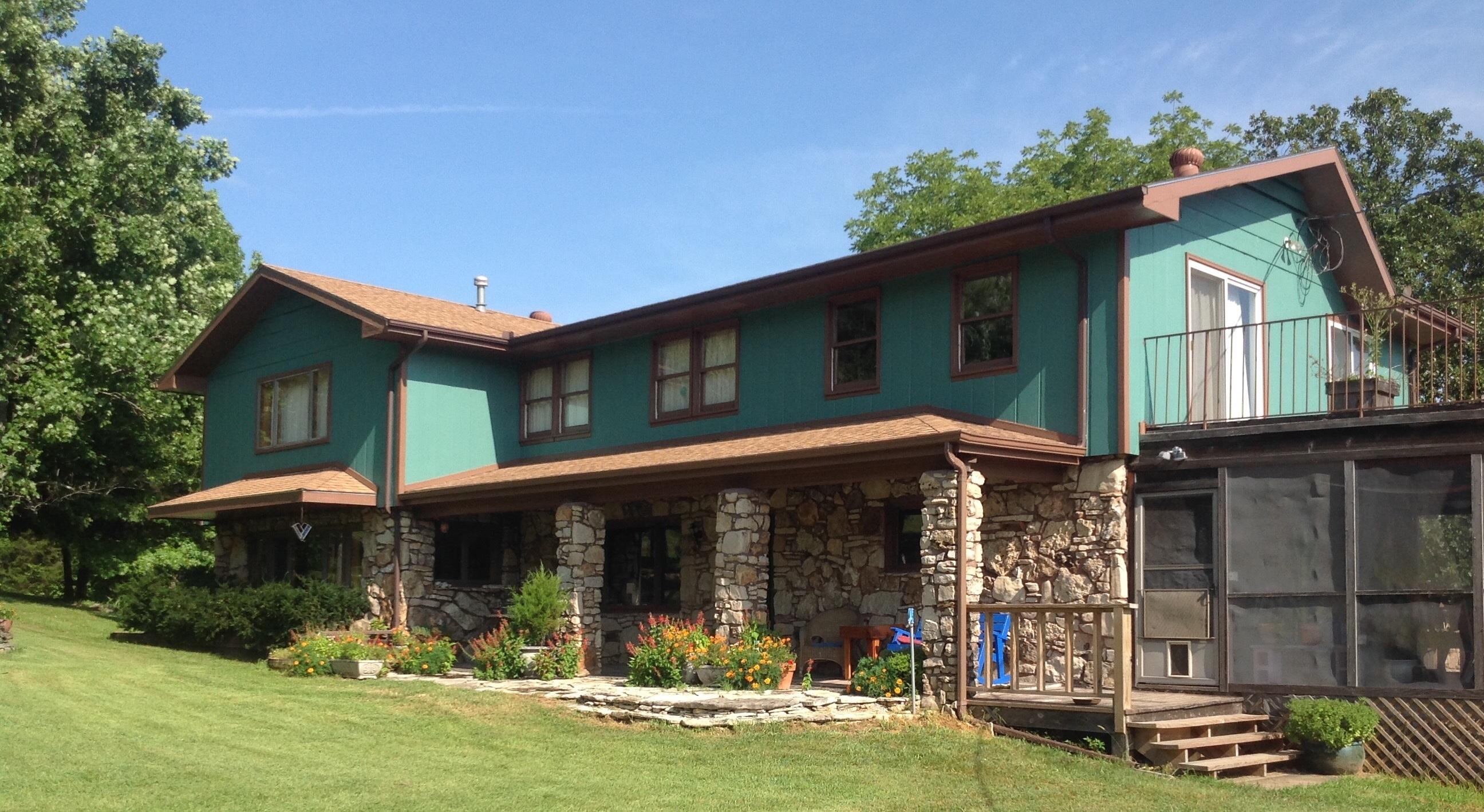 10463 Farm Road 1182, Aurora, Missouri 65605