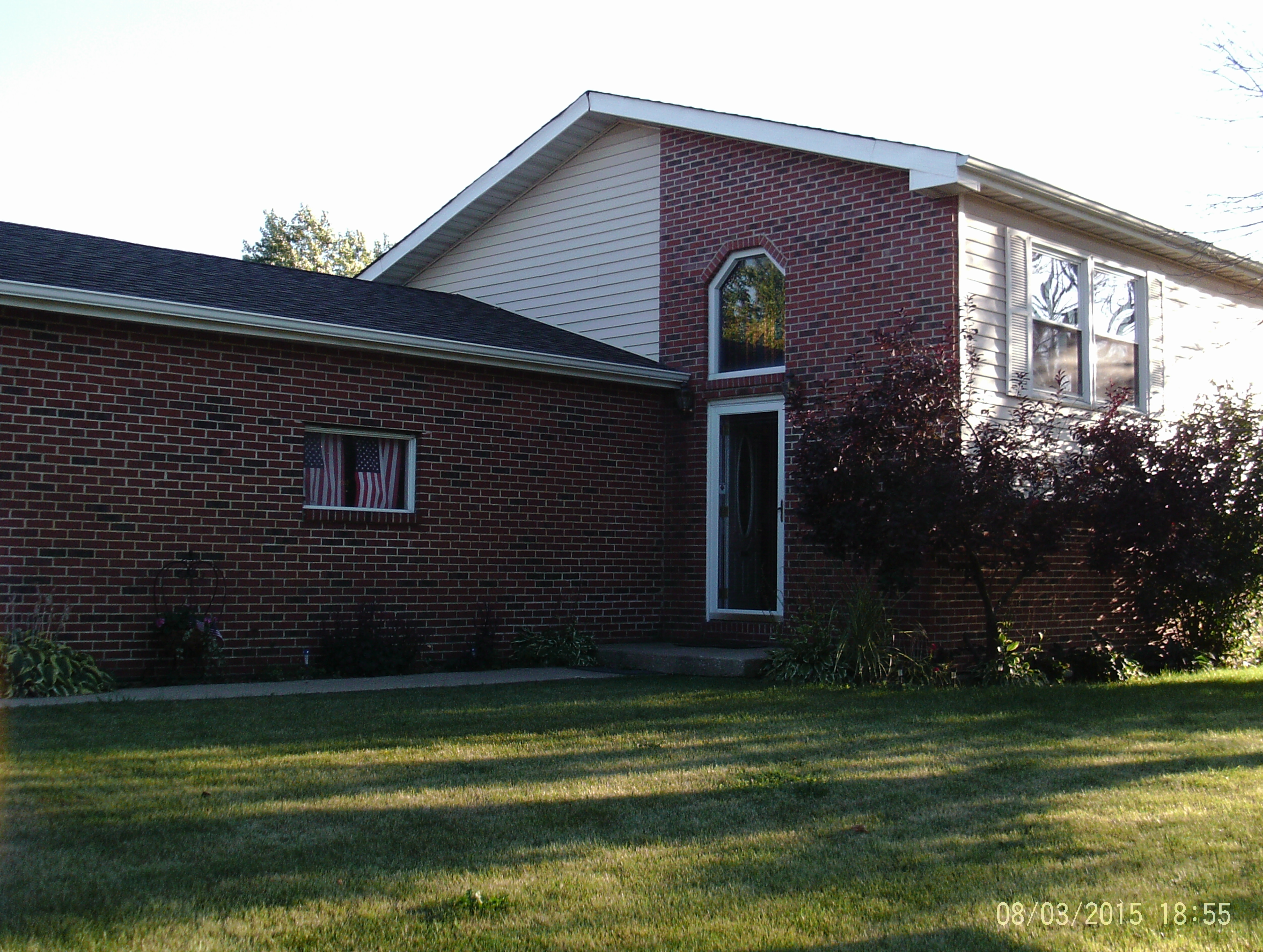 1401 Strawberry Hill Drive, Lockport, Illinois 60441
