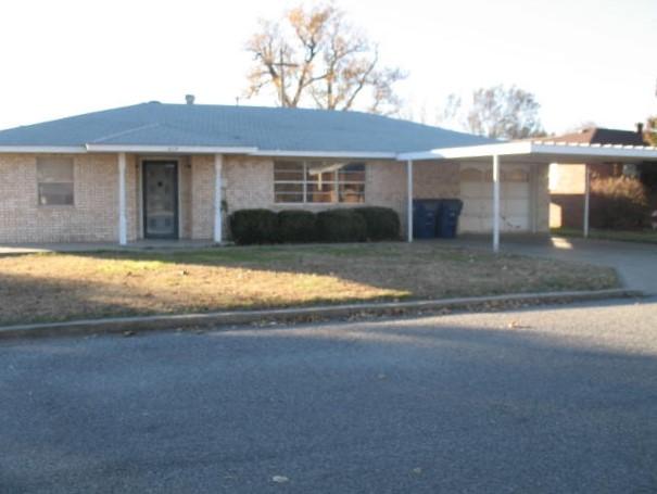 817 S. Sante Fe, Mooreland, Oklahoma 73852