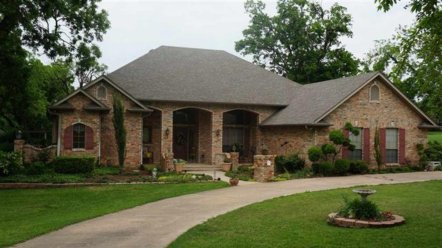 202 Walcott, Honey Grove, Texas 75446