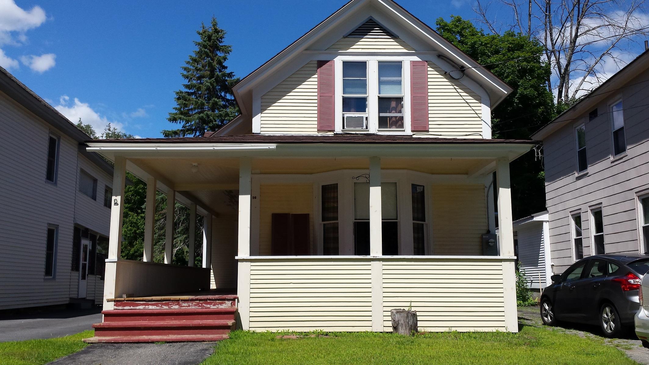 16 Smith Street, Ludlow, Vermont 05149