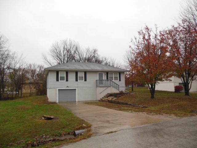 115 W. Calvird Dr, Clinton, Missouri 64735