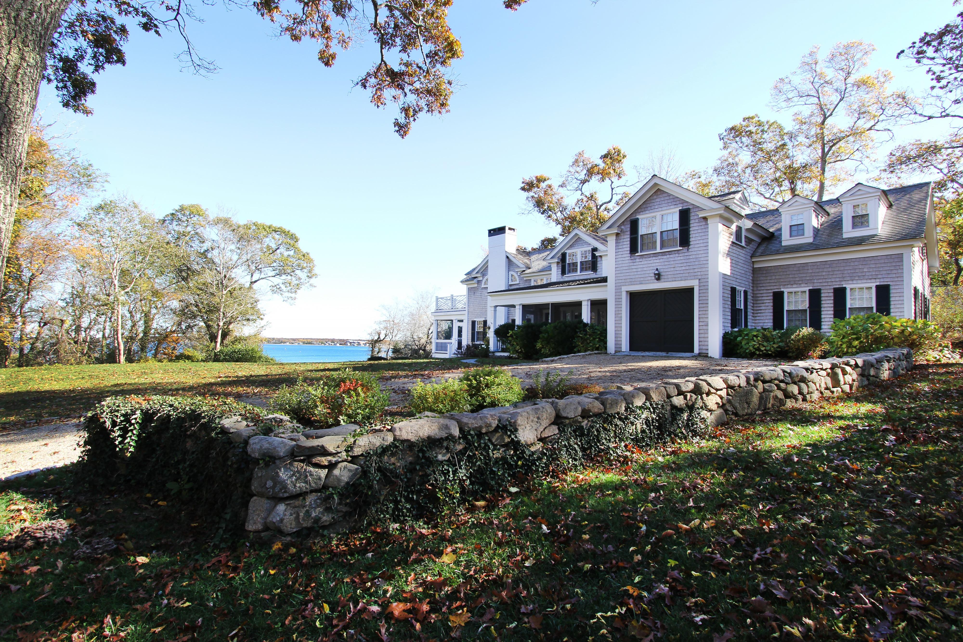 23 Bailey Lane, Vineyard Haven, Massachusetts 02568