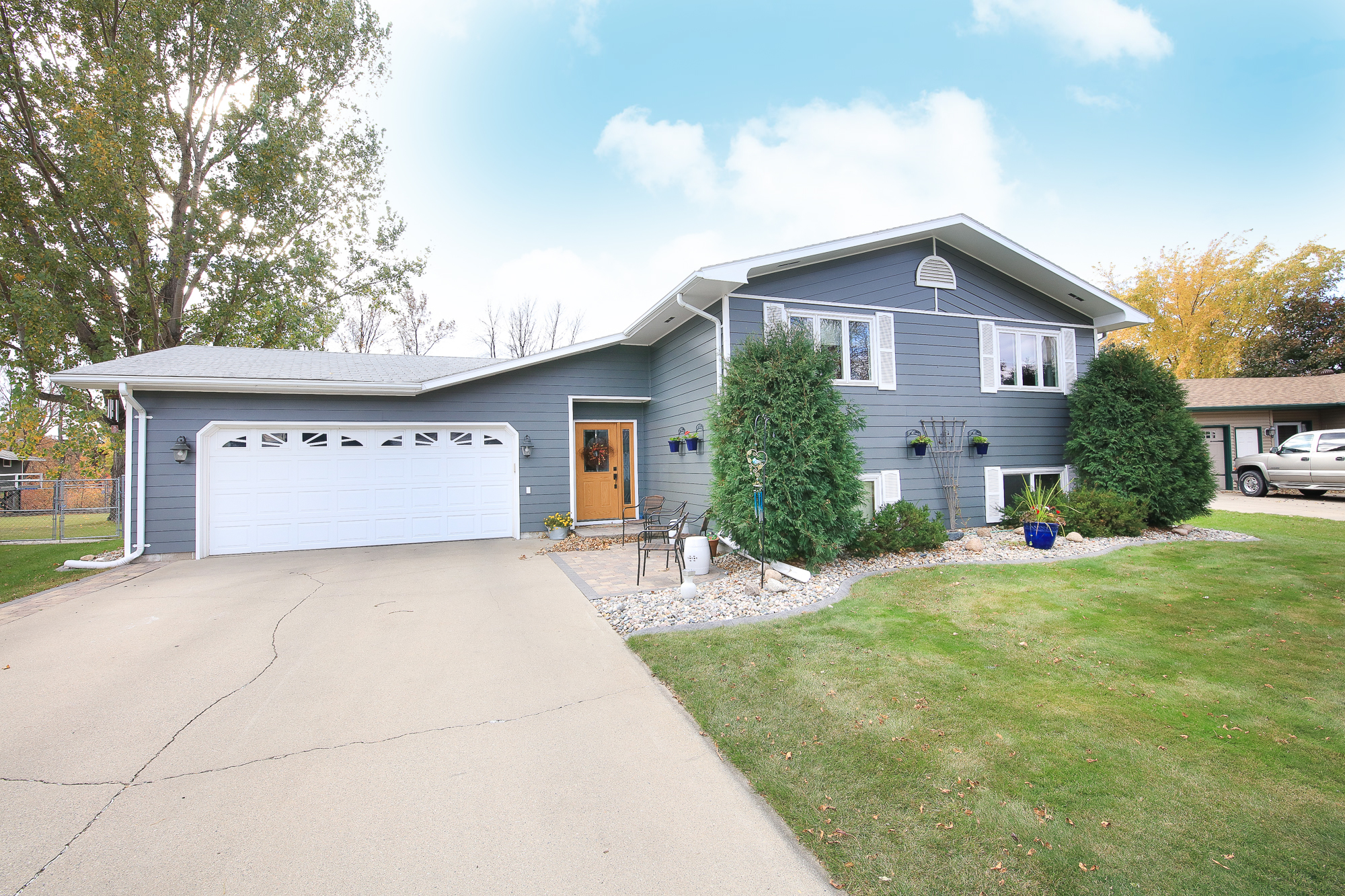 2919 Knight Dr, Grand Forks, ND 58201