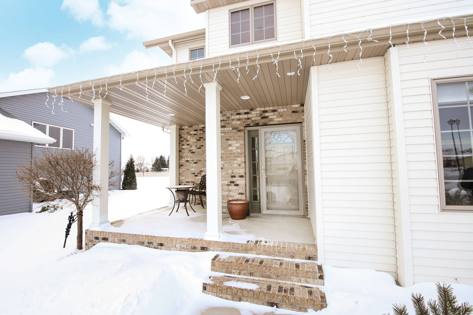 742 Mighty Acres Drive, Grand Forks, North Dakota 58201