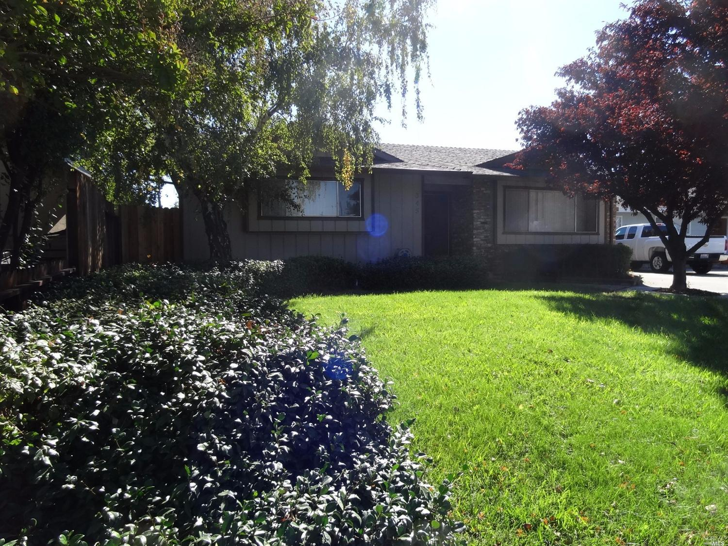 345 South 8th Street, Dixon, California 95620