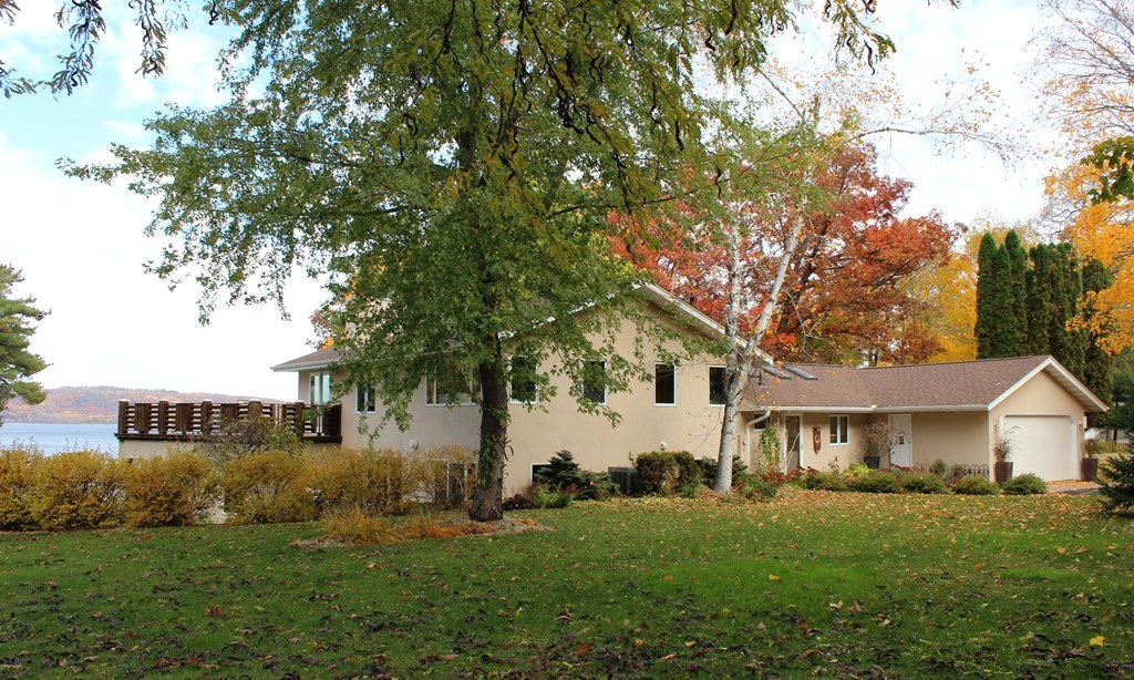 31553 Lakeview Avenue, Red Wing, Minnesota 55066