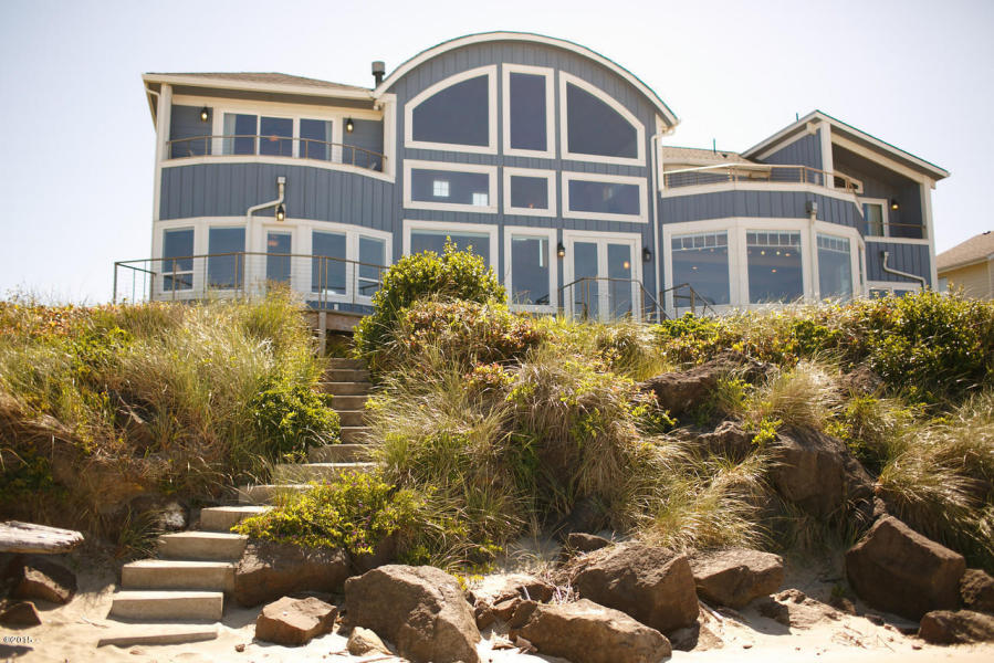 4652 SW Pacific Coast Hwy, Waldport, Oregon 97394