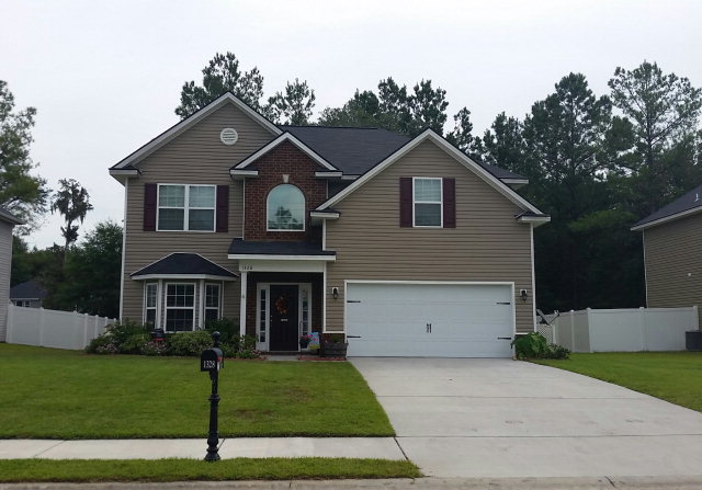 1328 Hill View Circle, Hinesville, Georgia 31313