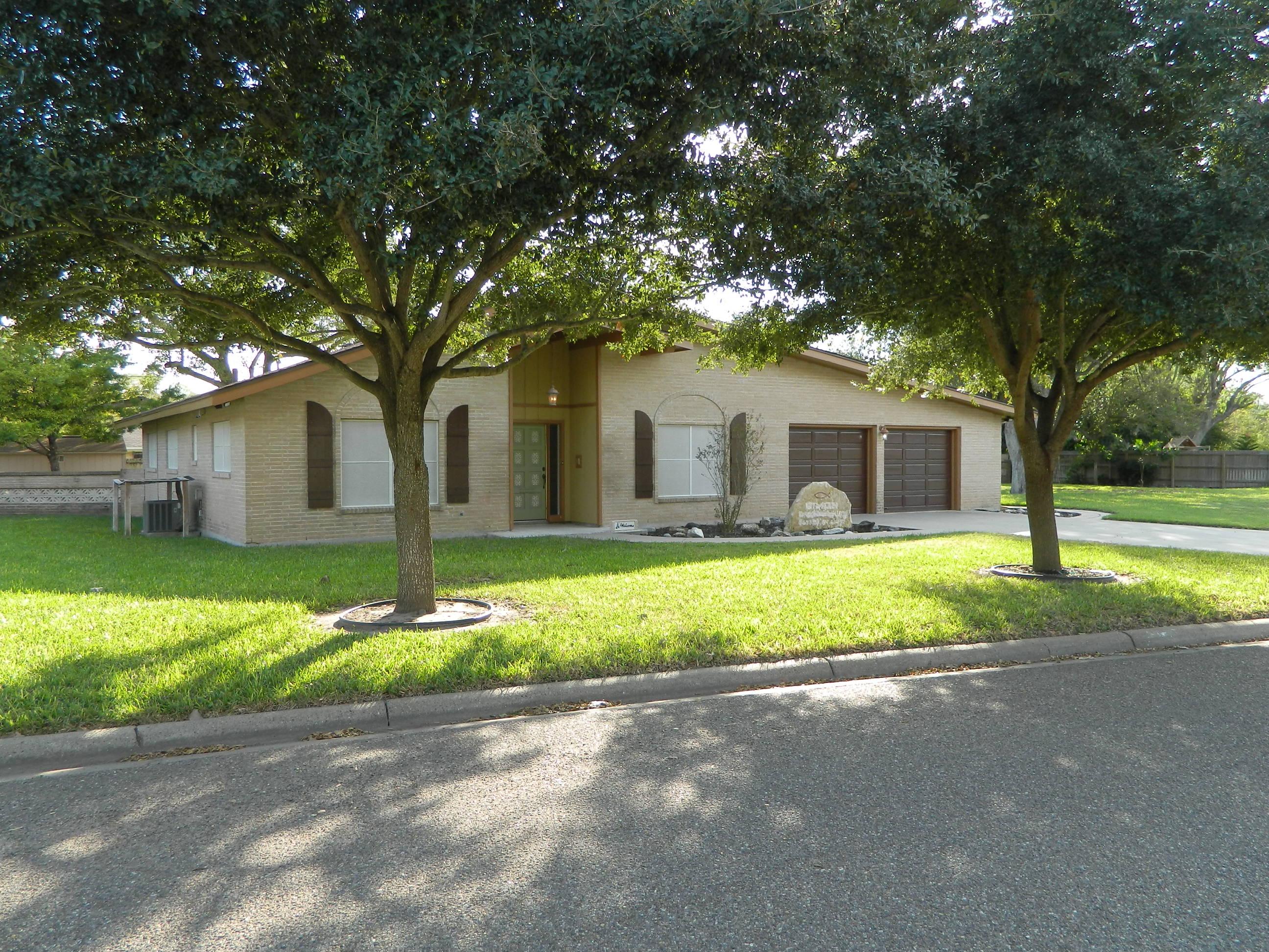 1107 W 3rd, Weslaco, Texas 78596