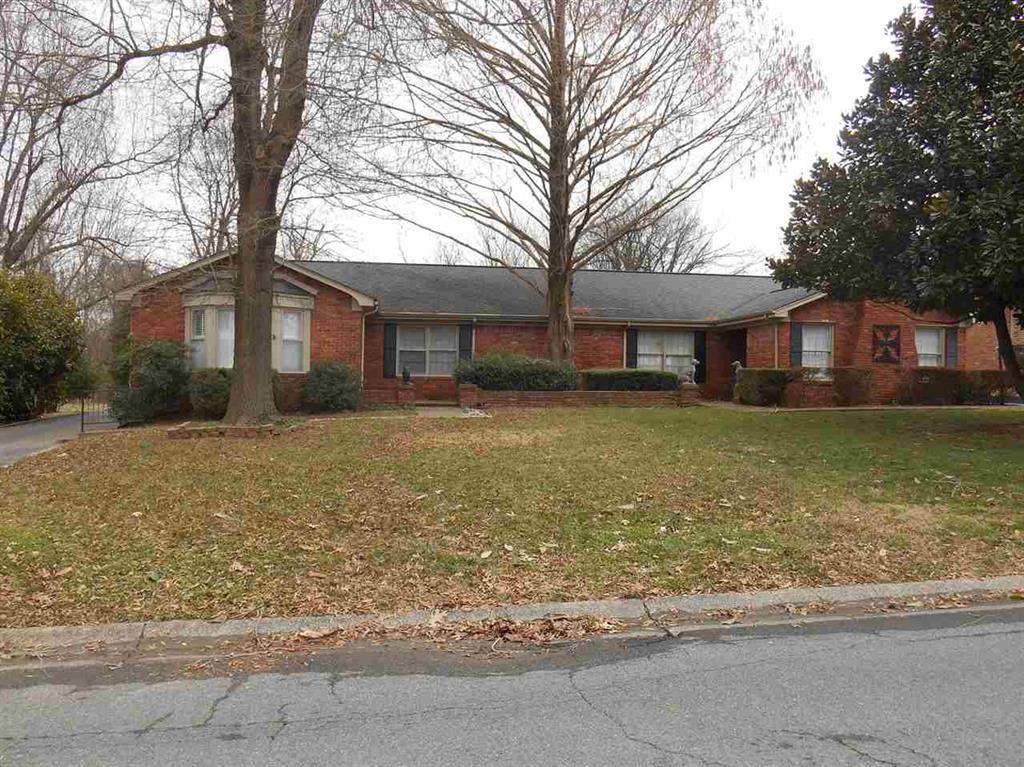 1188 Robinwood, Paducah, Kentucky 42001