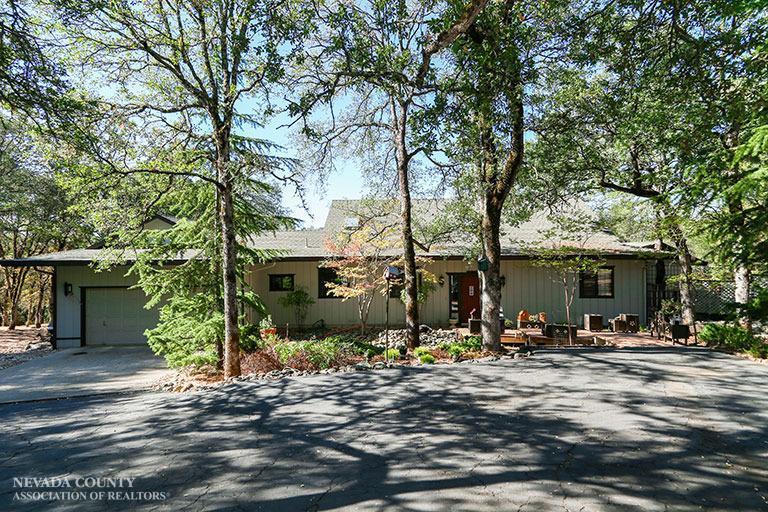 19017 Swallow Way, Penn Valley, CA 95946