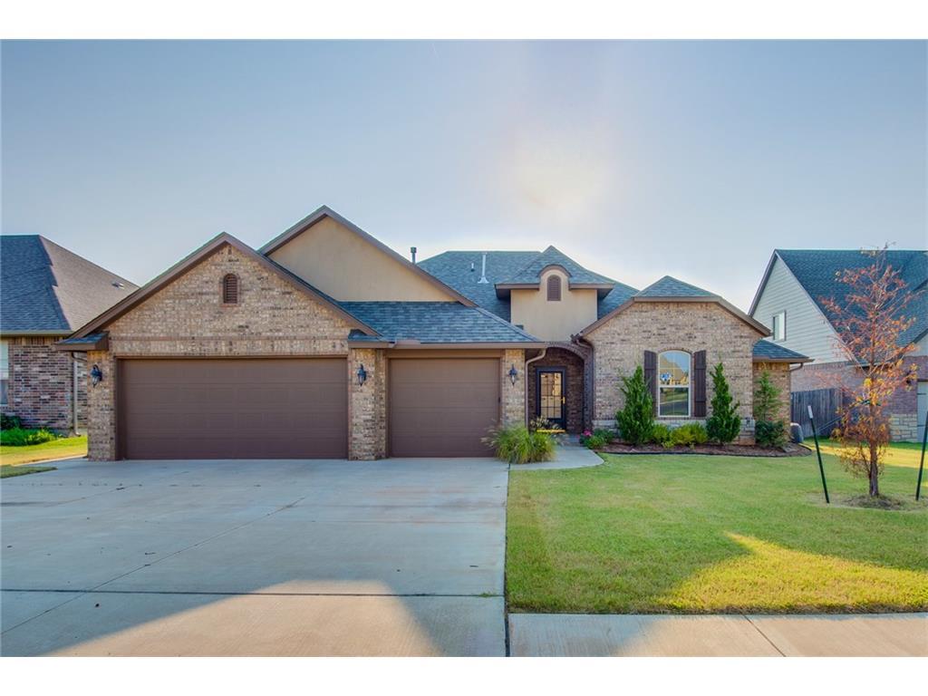 816 Lindsey Ln, Moore, Oklahoma 73160