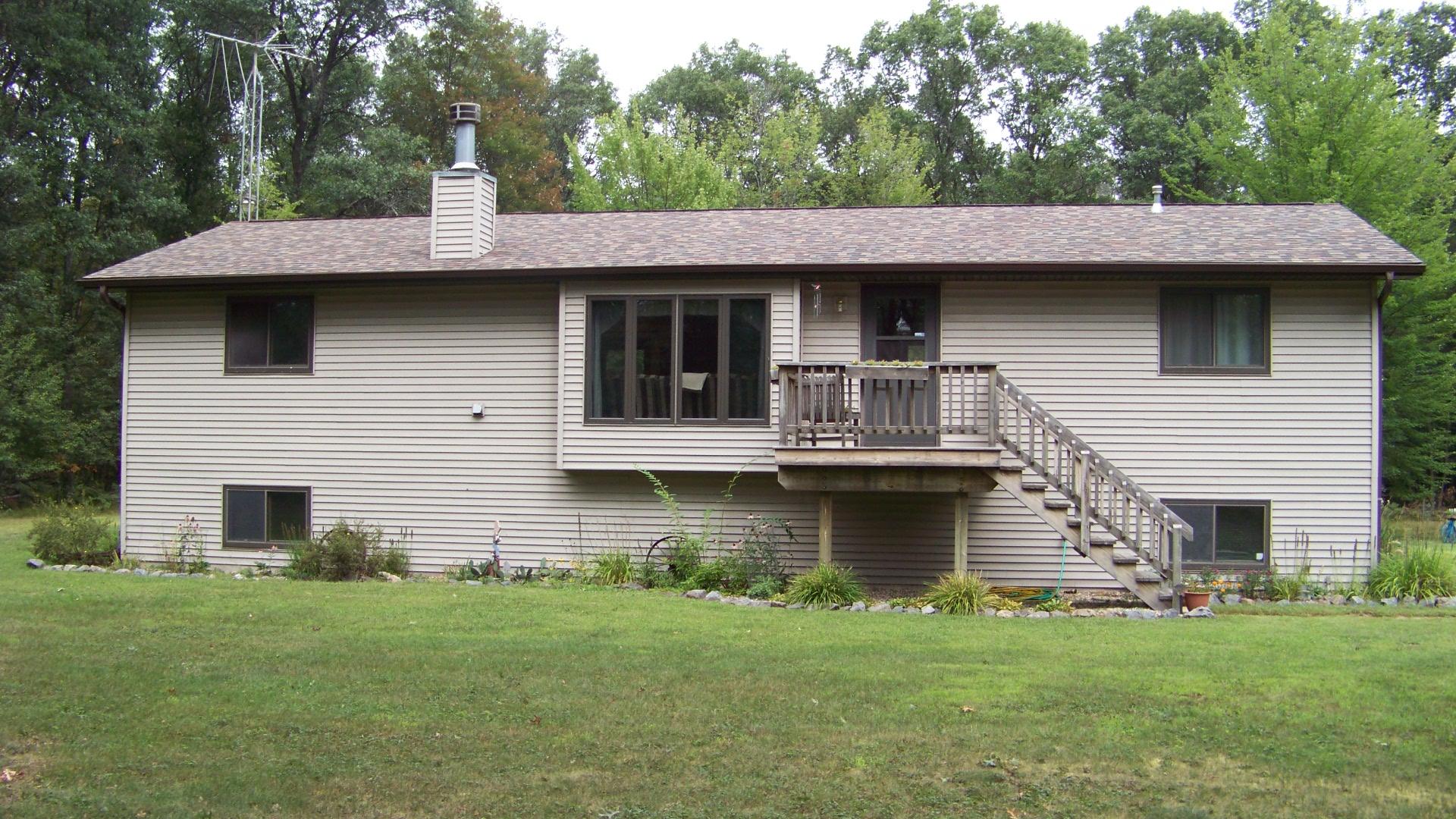 702 County Rd O, Hancock, Wisconsin 54943