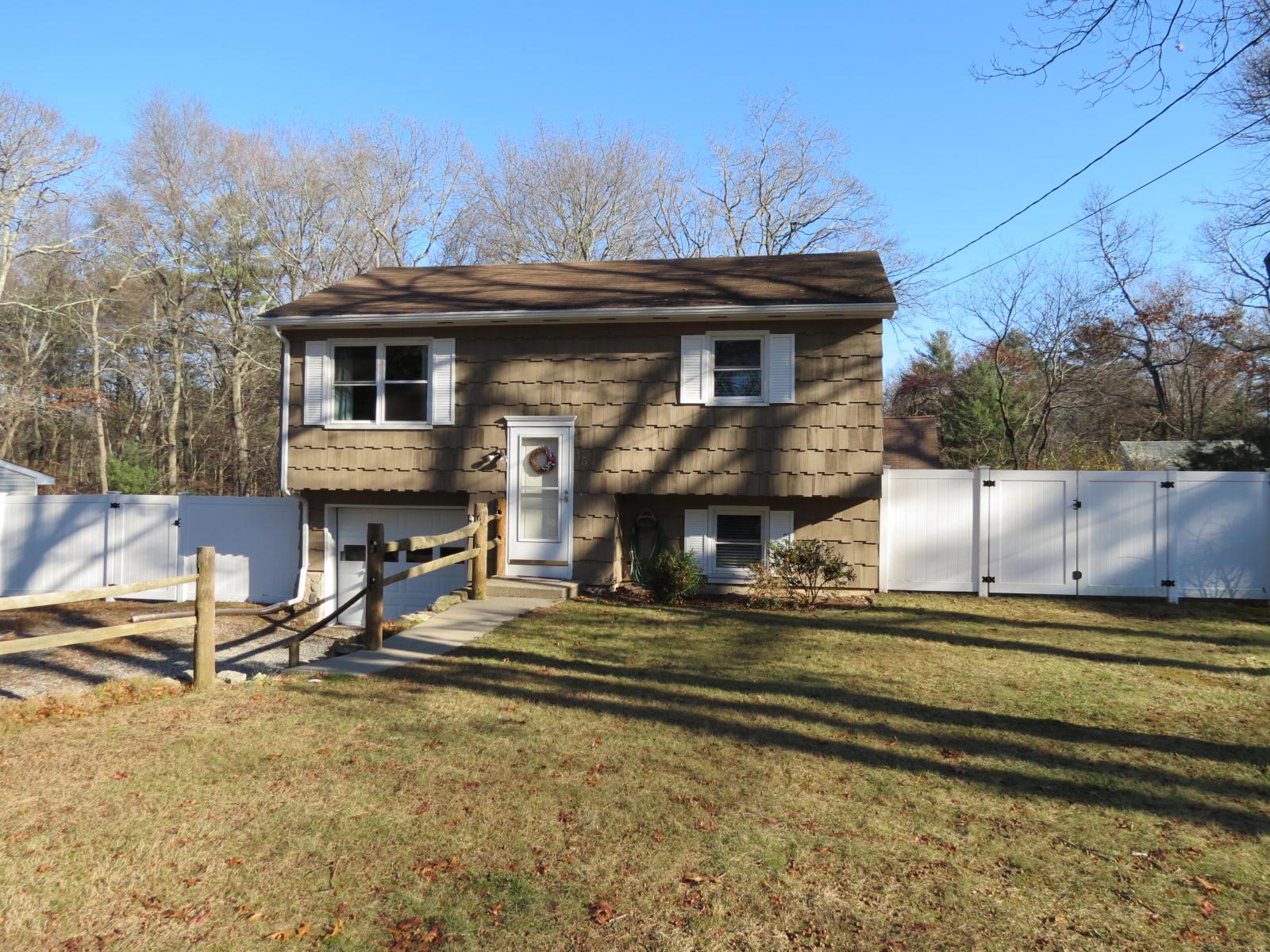 16 Tanglewood Lane, Voluntown, Connecticut 06384
