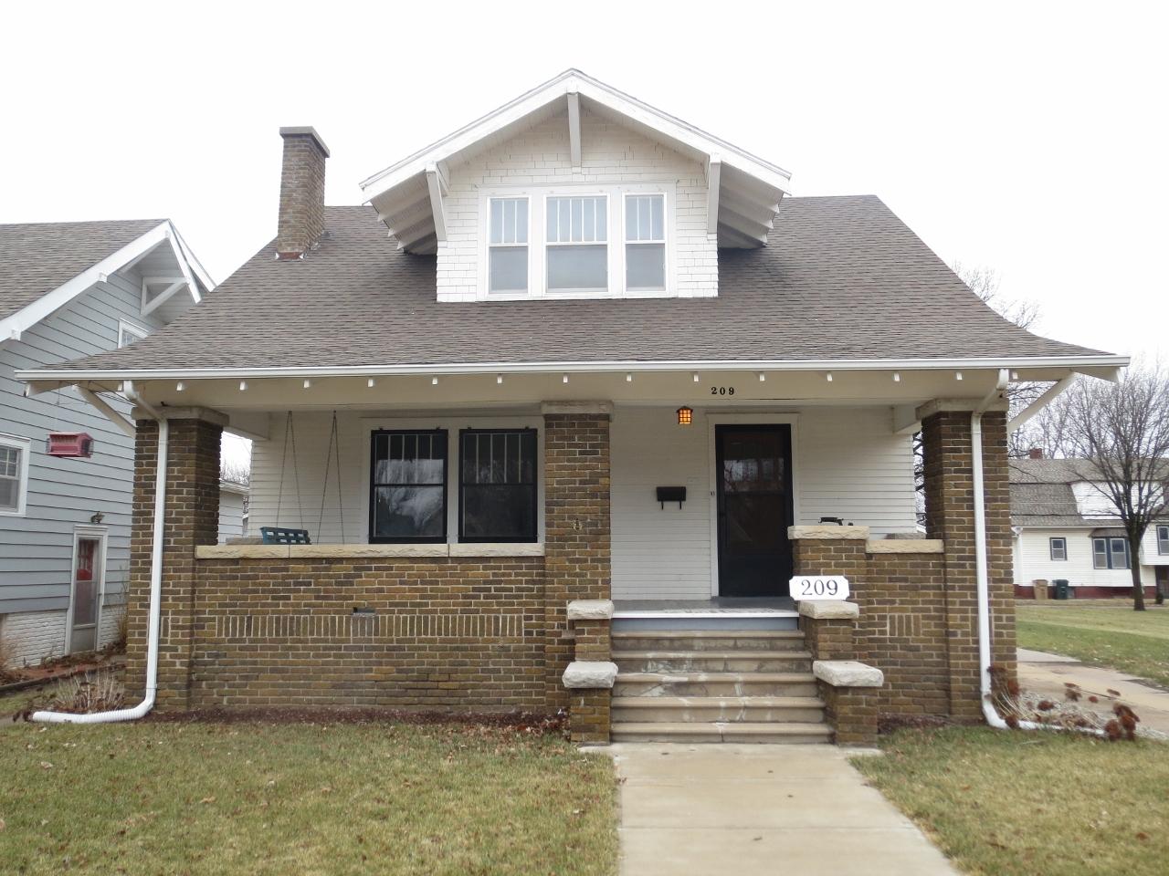 209 S Douglas, Lyons, Kansas 67554