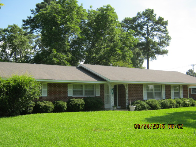 802 Clark Circle, West Point, Mississippi 39773