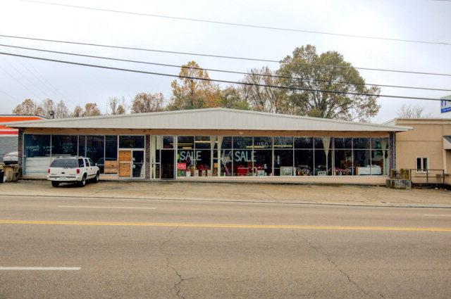 2006 Clay Street, Vicksburg, Mississippi 39180