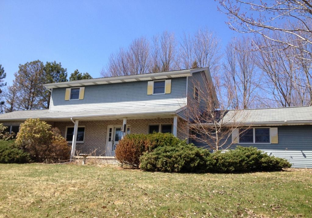 137 Decker Rd, Greenfield Twp, Pennsylvania 18433