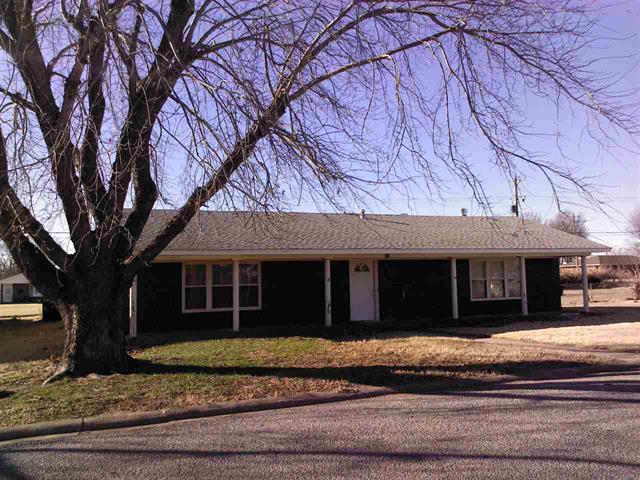 929 S Santa Fe, Mooreland, Oklahoma 73852