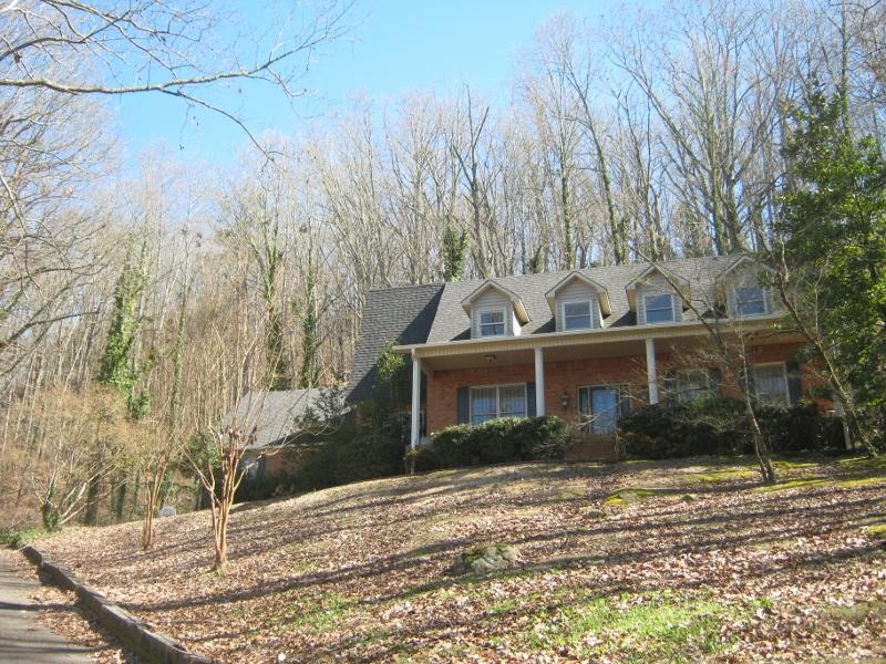 3703 Wyeth Drive, Guntersville, Alabama 35976