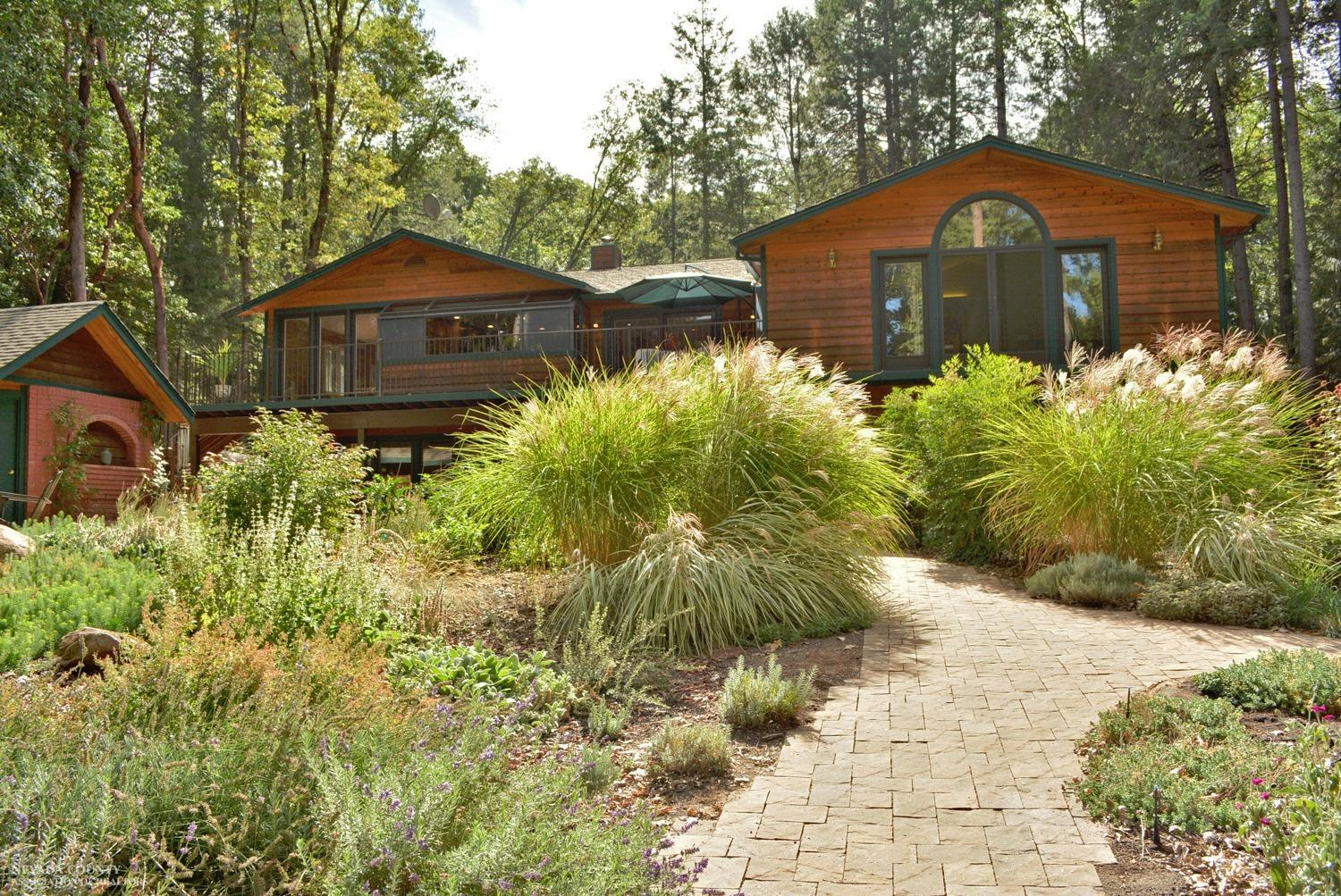13068 Madrona Leaf Ct, Grass Valley, California 95945