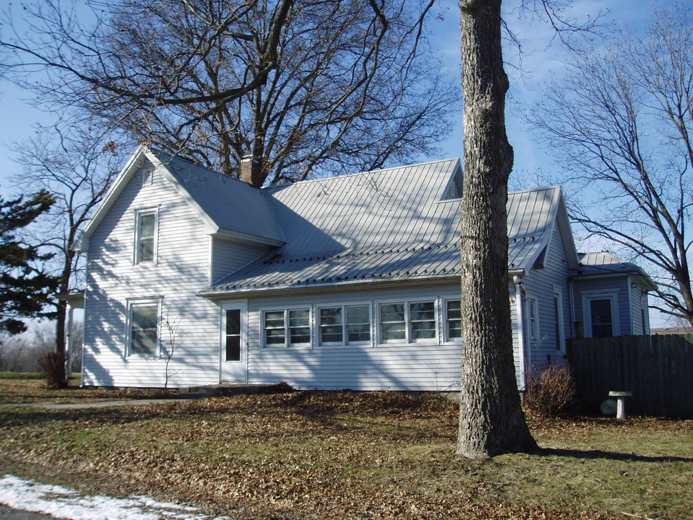 402 West Second Street, Salisbury, Missouri 65281