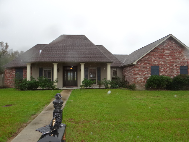 10190 Garden Oaks Ave, Denham Springs, Louisiana 70706