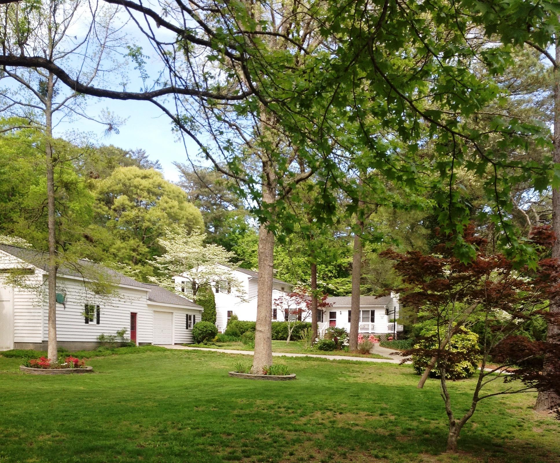 14327 Dogwood Ln, Belle Haven, Virginia 23306