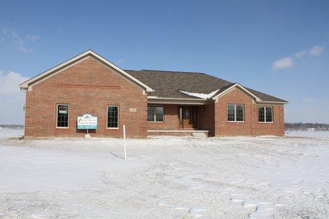 208 PINNACLE, Monroe, Michigan 48162