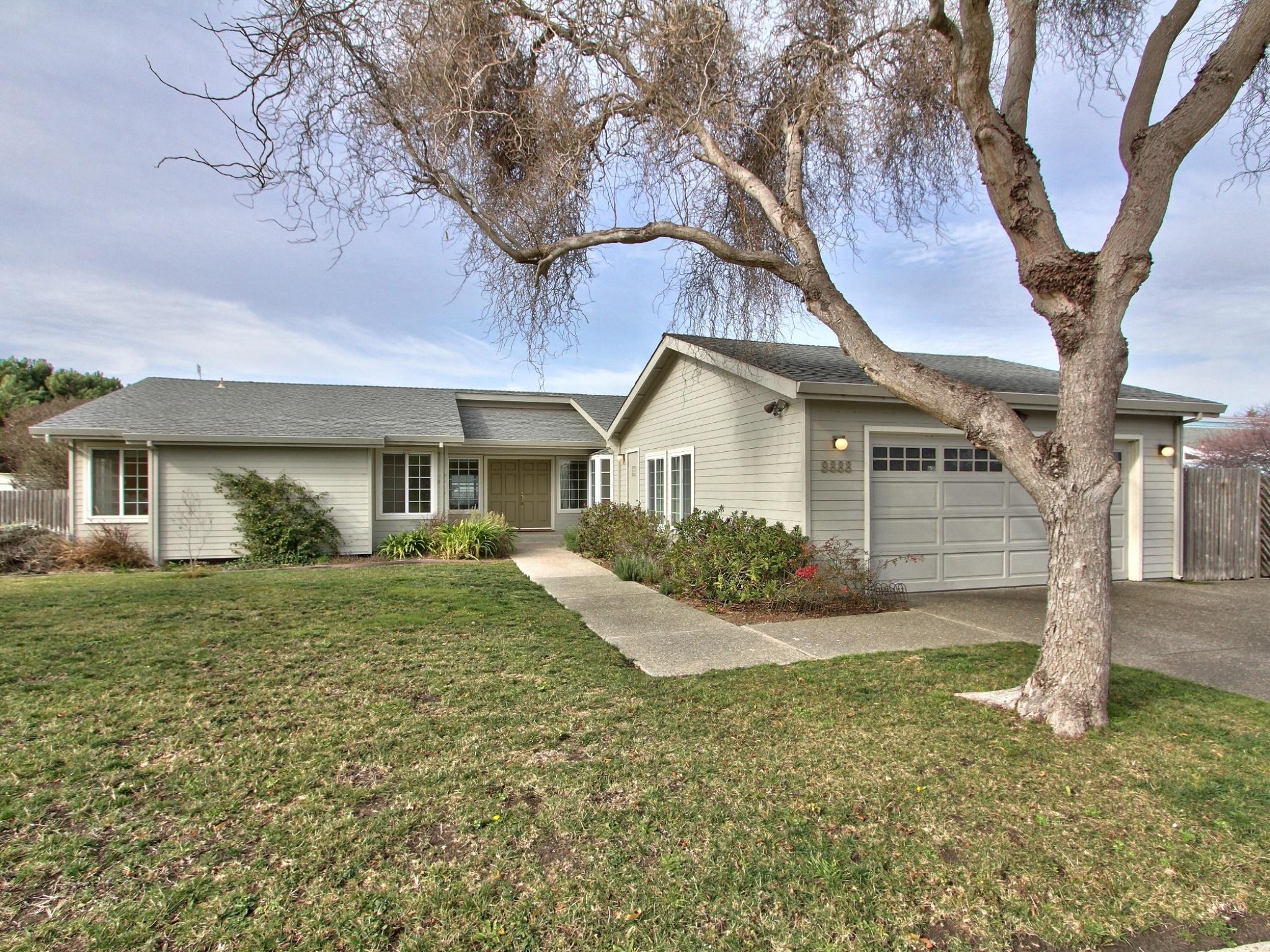 9888 Brome Trail, Salinas, California 93907