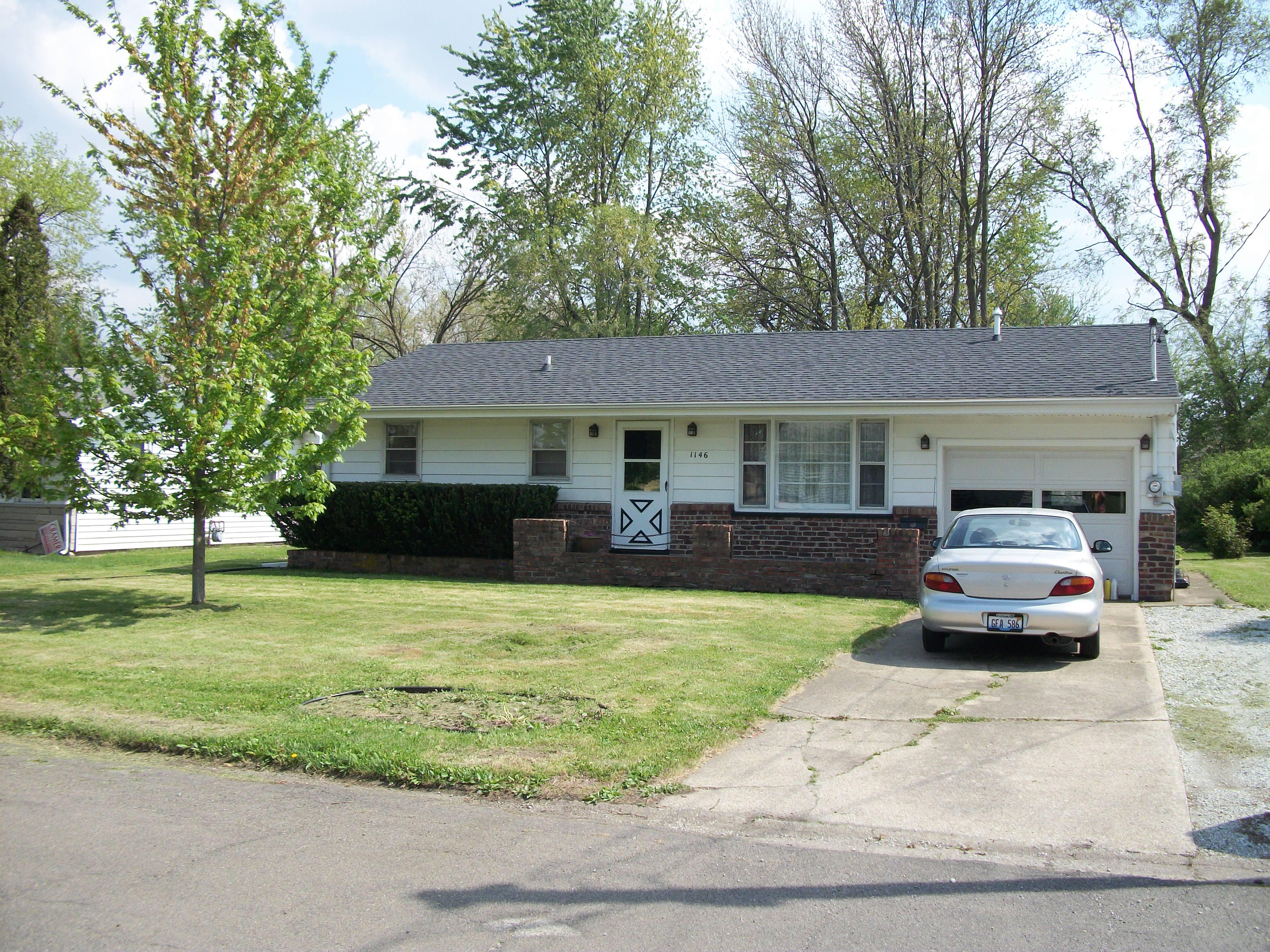 1146 Roselawn, Paxton, Illinois 60957