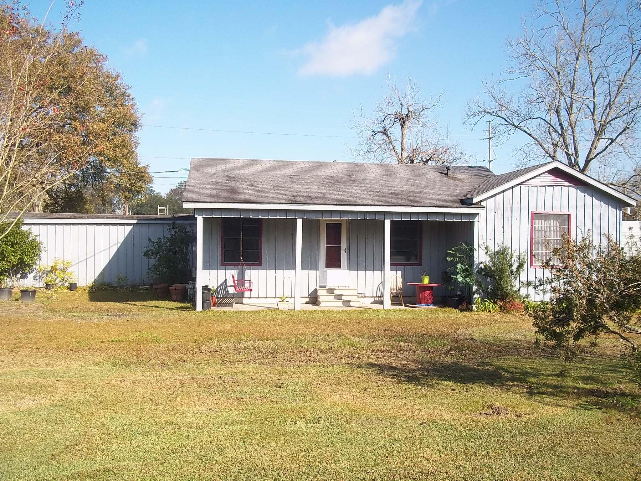 1001 Henning Drive, Sulphur, Louisiana 70663