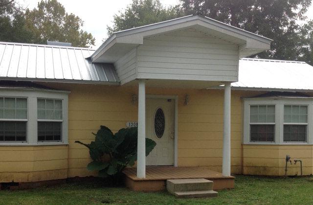 1208 Snead Street, Andalusia, Alabama 36420