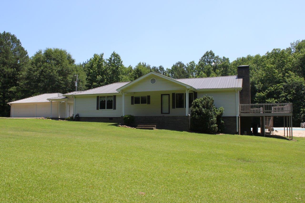 227 Bonds Lane, Guntersville, Alabama 35976