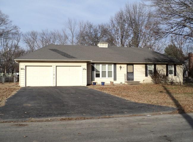 705 Willow, Clinton, MO 64735
