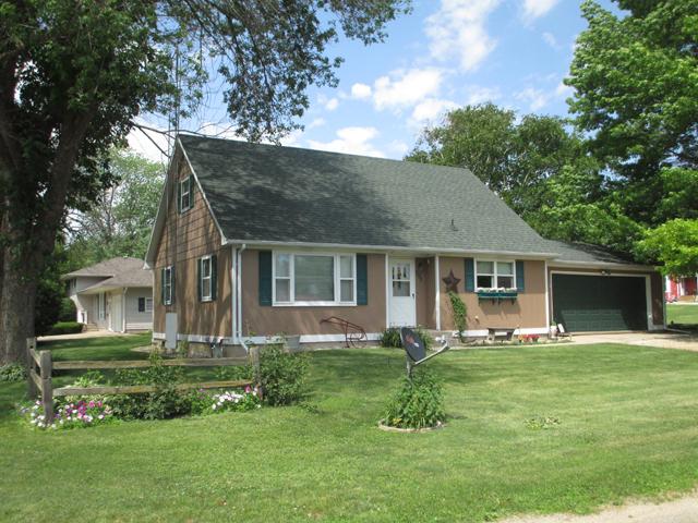 302 Wade Dr., Lamoille, Illinois 61330