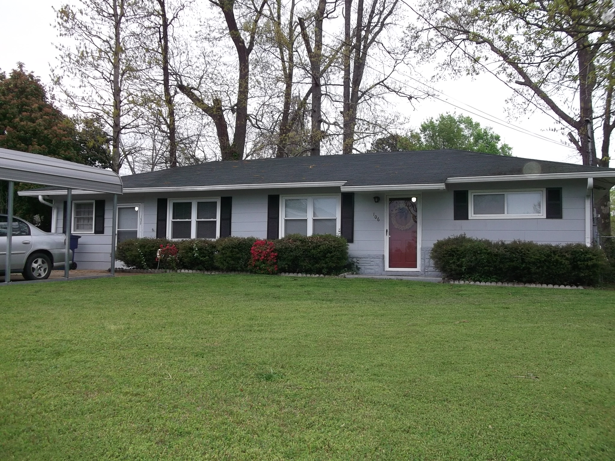 106 North 14th Avenue, Lanett, Alabama 36863