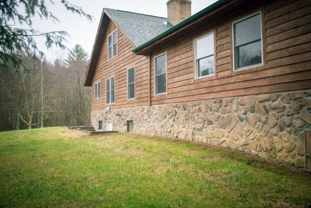 415 Hill Hollow Road, Rock, West Virginia 24747
