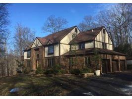 Home For Sale at 5 Daisy Court, Kinnelon NJ