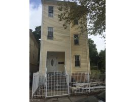 Home For Sale at 527 Hawthorne Ave, Newark NJ