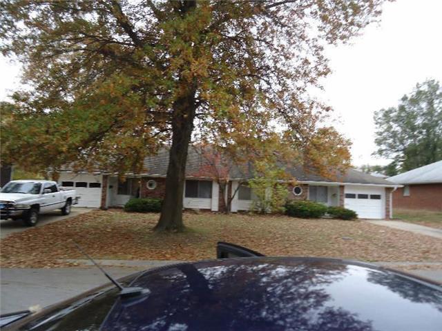 5610 N Hillside Drive, Kansas City, MO 64151