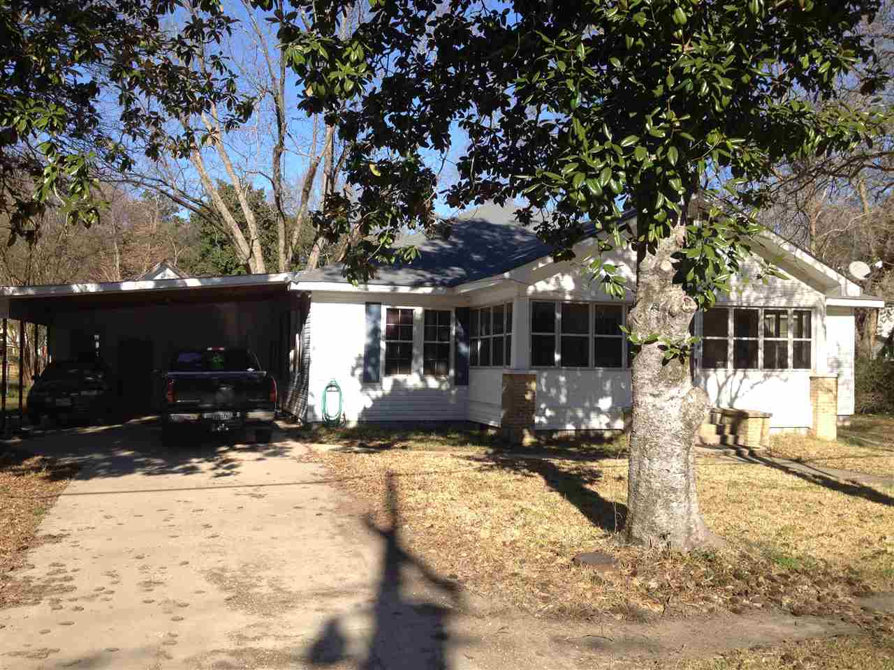 306 LAKESIDE AVENUE, Columbia, LA 71418